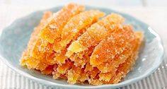 Cojile de portocale arată foarte apetisant, iar aroma lor pur și simplu te poate scoate din minți. De aceea ideea pregătiriiunui desert din acestea nu ar trebui să pară o nebunie! Înainte săaruncați cojile de portocale, citiți articolul, pe care l-am pregătit astăzi pentru dvs, și cu siguranță vă veți răzgândi. Nu se poate să …