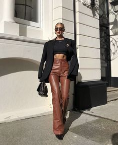 Image about fashion in apparel by 𝐆𝐑𝐀𝐂𝐄 on We Heart It Fashion 2020, 90s Fashion, Fitness Fashion, Fashion Outfits, Womens Fashion, Streetwear Mode, Streetwear Fashion, Fall Winter Outfits, Autumn Winter Fashion