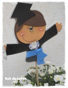 .::BAÚ DE LETRAS::. E.v.a. e Scrapbook: Formatura Preschool Graduation, Corpus Christi, Scrapbook, Paper Art, Clock, Party, Kids, Bling, Graduation Ideas