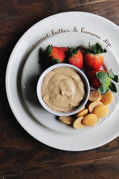 Peanut Butter and Banana Dip | www.diethood.com | Creamy peanut butter and banana make a deliciously sweet dip | #peanutbutter #fruit #recipe #appetizer