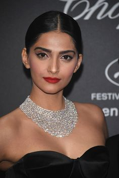 Sonam Kapoor attends Chopard Wild Party as part of The Annual Cannes Film Festival at Port Canto on May 2016 in Cannes, France. Beautiful Bollywood Actress, Beautiful Indian Actress, Levis Style, Sonam Kapoor Photos, Kareena Kapoor, Deepika Padukone, News Logo, Indian Bollywood, Bollywood Wedding