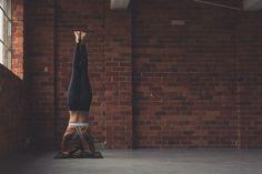 Beautiful sirsasana yoga pose #yoga #advancedyoga #yogapose #photography #fitness
