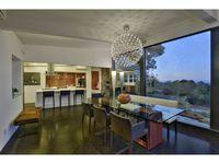 the mesh network, Inc.   northern california modern real estate: 250 Alamos Rd, Portola Valley 94028