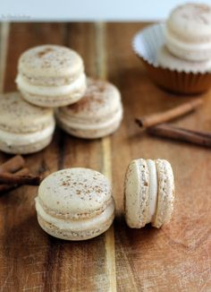 Cinnamon Roll Macarons | The Blonde Buckeye