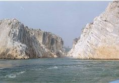 Jabalpur, the main city of Madhya Pradesh is turning the favorite place for tourism. This oldest city shores the sacred Narmada River with some other rivers such as Hiran, Ken, Gour and Sone. Here tourist can enjoy the world-famous Marble Rocks, and the unique shapes made by the river flows. The deep water fall at different spots in the river is special spots as well.