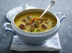 Unser beliebtes Rezept für Geröstete Kürbis-Pastinaken-Suppe mit Brätbällchen und mehr als 55.000 weitere kostenlose Rezepte auf LECKER.de.