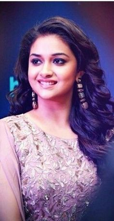 Wow what a beautiful Beautiful Girl Indian, Most Beautiful Indian Actress, Beautiful Actresses, Beautiful Lips, Undercut Hair Designs, South Indian Actress, South Actress, Cute Girl Poses, Stylish Girl Images