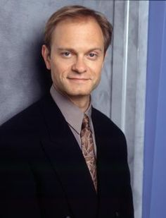 David Hyde Pierce. Oh! I had (have) a little crush on him as Niles on Frasier. Still love to see him in movies.
