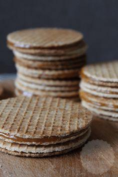 Stroopwaffel - Dutch waffle cookies with a caramel filling Dutch Recipes, Sweet Recipes, Baking Recipes, Cookie Recipes, Dutch Waffles, Pancakes And Waffles, Waffle Cookies, Cake Cookies, Cupcakes