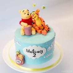 Baby Boy Birthday Cake, Candy Birthday Cakes, Baby Boy Cakes, Cakes For Boys, Winnie The Pooh Cake, Winnie The Pooh Birthday, Cake Designs For Girl, Cake For Boyfriend, Realistic Cakes