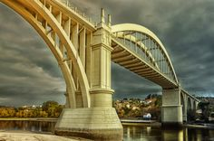 Debajo del puente by Uxio  on 500px.// #a coruña