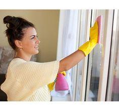 Utálsz ablakot pucolni? Valójában mi is! De ezzel a házi szerrel sokkal könnyebb lesz a dolgod! - www.kiskegyed.hu Good To Know, Household, Hair Beauty, Diy Crafts, Good Things, Cleaning, Cottage, Women, Leaf Bowls