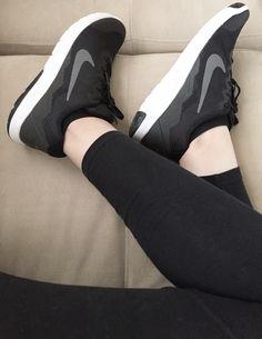 Wmns Nike Flex Experience RN Platinum Black Pink