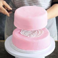 Rezept Fur Zweistockige Torte Rezepte Cake Torte Und Fondant