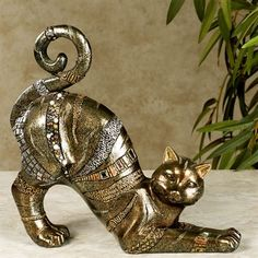 Fabulous Feline Cat Table Sculpture