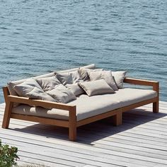 Daybed Lars lounge module to the right and left of Piet Boon. Daybed Lars lounge module to the right and left of Piet Boon. Outdoor Lounge, Outdoor Daybed, Outdoor Decor, Balcony Furniture, Pallet Furniture, Outdoor Furniture, Furniture Layout, Furniture Design, Furniture Market