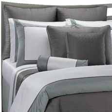 I just bought this yesterday and I can hardly wait to set up our bed. It means getting rid of the Zeke hair infused duvet cover but.......