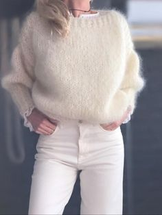 Mohair off-white sweater. Knitwear Fashion, Knit Fashion, Mode Outfits, Fashion Outfits, Style Fashion, Winter Fashion Casual, Mohair Sweater, Sweater Weather, Pulls