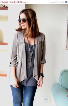 Stone Grey Top / Women Short Cardigan / Stripes Top / Women Clothing /  Long Sleeves Over Size Top / Geometric Diamonds Gray Beige Blouse op Etsy, £48.90
