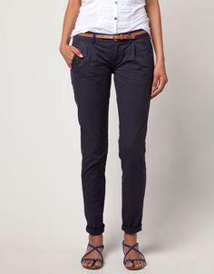 Pantalón BSK detalle cinturón  Precio:19,99 €   Ref.5200/019