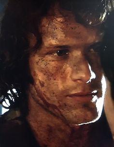 Bloody & dirty Jamie Fraser / Sam Heughan on Outlander Season 2