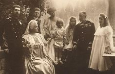FAMILIA+REGALA+ROMANA+1914.jpg (500×320)