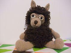 Eino, the alpaca // pattern by Little Wendy crochet
