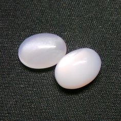 AAAA Grade Super Top Quality 8.5 Carat Natural Earth by Tarzimpex White Moonstone, Natural Earth, Shapes, Trending Outfits, Unique Jewelry, Handmade Gifts, Top, Kid Craft Gifts, Craft Gifts