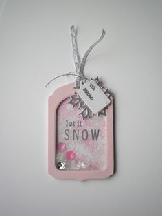 Cute shaker Christmas tag