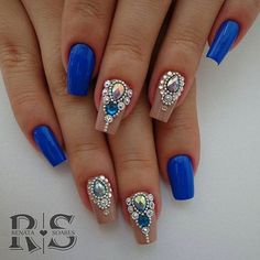 WEBSTA @cantinhododesafionails Tema: AZUL Participação da @rehsoaresoficial . ↪Use Rhinestone Nails, Bling Nails, Glitter Nails, Cute Nails, Pretty Nails, Caviar Nails, Nails Design With Rhinestones, Gem Nails, Nail Accessories
