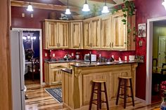 Kitchen. Hickory and floor. Granite Countertop