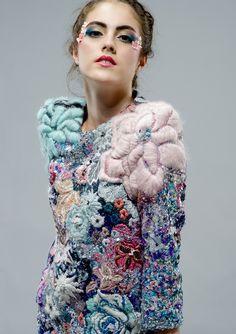 43 Ideas embroidery fashion textiles beautiful for 2019 Fashion Details, Look Fashion, Fashion Art, High Fashion, Fashion Textiles, Couture Details, Nail Fashion, Fashion Clothes, Design Textile