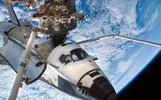 Esta série de fotografias da NASA acompanha o trabalho e magnífica vista dos tripulantes da ISS (Estação Especial Internacional), no espaço.