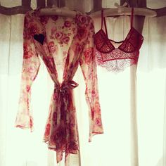 Pretty shades of pink #forloveandlemons #downtoyourSKIVVIES