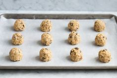 Soft and chewy, perfectly spiced, dotted with juicy raisins and crunchy walnuts and always sure to satisfy those cookie cravings! Zucchini Oatmeal Cookies, Homemade Oatmeal Cookies, Pumpkin Oatmeal Cookies, Oatmeal Cookie Recipes, Oatmeal Raisin Cookies, Cookies Soft, Peanut Butter Oatmeal, Macaroni Salad, Deserts