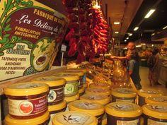 Les Halles, Avignon Gourmet Food Market // Les Halles, place Pie, 84000 Avignon. // Every morning until 1.30-2.00pm. Closed Mondays. http://www.avignon-leshalles.com/