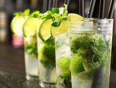 Got Rum? Got Mojito! Make a perfect mojito -- just in time! Mojito Party, Cocktail Margarita, Mojito Drink, Mint Mojito, Cocktail Party Food, Cocktail Drinks, Cocktail Recipes, Refreshing Cocktails, Vintage Cocktails