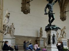 Art students study statues in Rome. Check out all the best places to study abroad at the myWebRoom Blog!