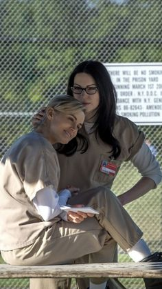 Alex And Piper, Piper Chapman, Laura Prepon, Orange Is The New Black, Movies Showing, Swagg, Netflix, Tv Shows, Funny Pictures