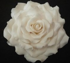 This beautiful EXTRA LARGE 5 white rose is made of white gum paste and dusted with yellow powder and the leaves are tipped with edible red dusting
