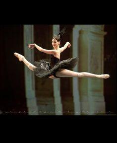 Anastasia Matvienko , Black Swan pdd, Mariinsky Ballet at Dance Open Ballet Festival, April 2011, Saint Petersburg, Russia