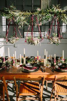 modern organic tablescape - photo by Heart and Sparrow http://ruffledblog.com/modern-industrial-wedding-editorial #weddingreception #weddingideas #tables