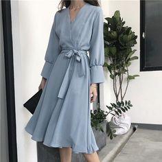 Stylish Dress Designs, Stylish Dresses, Elegant Dresses, Casual Dresses, Classy Dress, Classy Outfits, Pretty Outfits, Pretty Dresses, Korean Fashion Dress