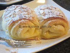 - Megasofte Vanille-Quarkröllchen « kochen & backen leicht gemacht mit Schritt f… Megasoft vanilla quark rolls «Cooking & baking made easy with step by step pictures of & with Slava - German Baking, Sweet Bakery, No Bake Cake, Cake Cookies, Food Inspiration, Sweet Recipes, Food Porn, Food And Drink, Cooking Recipes