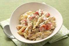 Need a quick pasta dish that will win rave reviews?  With our Bacon & Tomato Presto Pasta you're just 20 minutes away from serving up a cheesy penne pasta dish with bacon and cherry tomatoes.