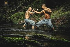 Practice Kung Fu, Qi Gong and other Shaolin Arts in the monastery for one weekend days) or one week days) together with the community of the Shaolin Temple Europe. Shaolin Kung Fu, Qi Gong, Batman Training, Grip Strength Exercises, Muay Thai, Karate Styles, Kempo Karate, Samurai, Marshal Arts