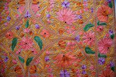 Chal de lana abrigo de la bufanda del bordado por ORCHHA en Etsy