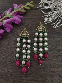 Gold Jhumka Earrings, Indian Jewelry Earrings, Jewelry Design Earrings, Gold Earrings Designs, Gold Jewellery Design, Bead Jewellery, Women's Jewelry, Gold Jewelry Simple, Stylish Jewelry
