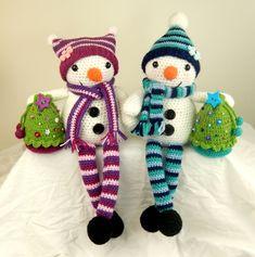 Mr and Mrs Snow amigurumi crochet pattern by Janine Holmes at Moji-Moji Design
