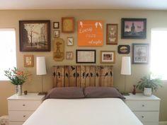 Tête de lit fabriquée en palette dans une chambre ultra décorée